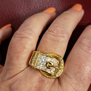 💕Gold & Crystal Buckle Fashion Ring